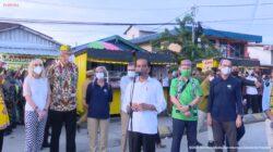 Presiden Jokowi Serahkan Bantuan Modal Bagi PKL di Tarakan