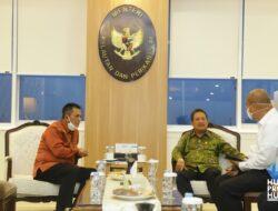 Pemerintah Pusat Menjamin Kesehatan Nelayan Melalui Asuransi Nelayan